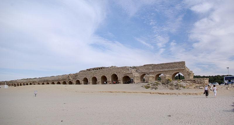 800px-Caesarea_maritima_BW_3